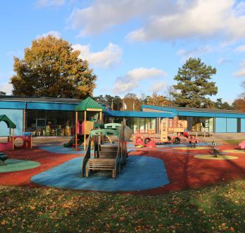 Mol - Europese School - speeltuin kleuterschool | Mol - école européenne - jardin des jeux maternelle